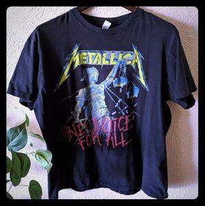 Tops - Metallica tee🥰
